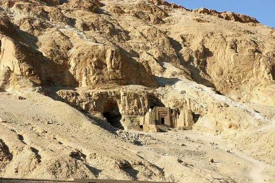 Discover Egypt, Egypt Monuments, Temples, luxor, Aswan, abo simple, Hatchepsout, Ramsium Temple, Nefertary Temple, Kings Valley