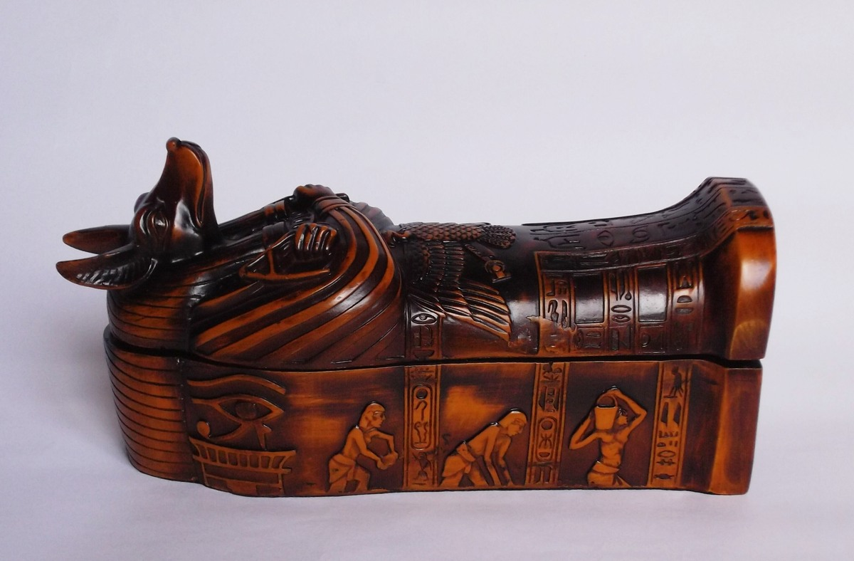Egyptian gifts, sculpture, statues, pyramids, coffins, Busts